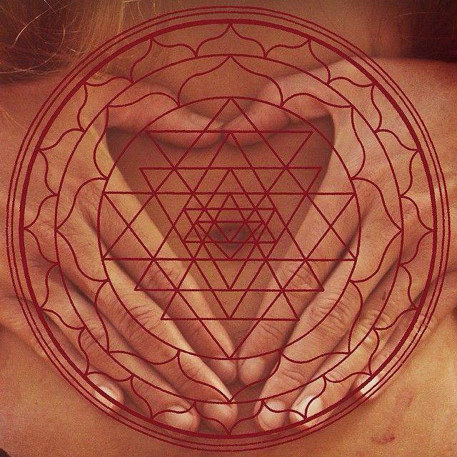Meditación de Luna Llena: Sanación y bendición del útero